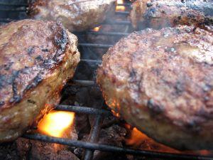 Burger auf dem Barbecue